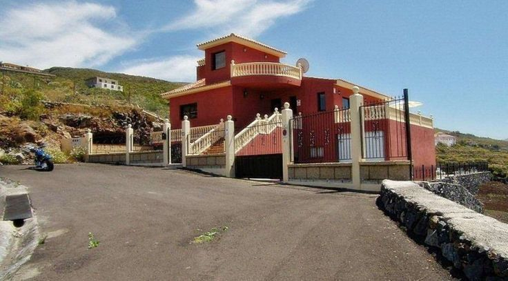 Buy #Apartments at low cost in #Tenerife - http://villasapartmentspropertyforsale.blogspot.in/2015/07/apartmentsforsaleintenerife.html