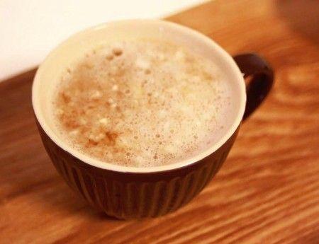 自分で作る風邪薬・胃腸薬『第一大根湯』の作り方。〜肩こりや生理痛にも効果大。大根おろし大さじ3と、 生姜のすりおろし小さじ1と、 醤油大さじ1を、 熱い番茶(またはお湯)2カップで割って、熱いうちに飲むだけ。