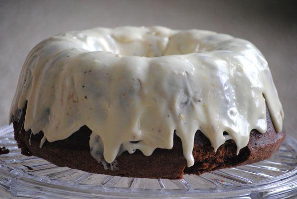 Κέικ διπλής σοκολάτας με πορτοκάλι. Σοκολατένιο κέικ με επικάλυψη λευκής σοκολάτας κι άρωμα πορτοκαλιού!