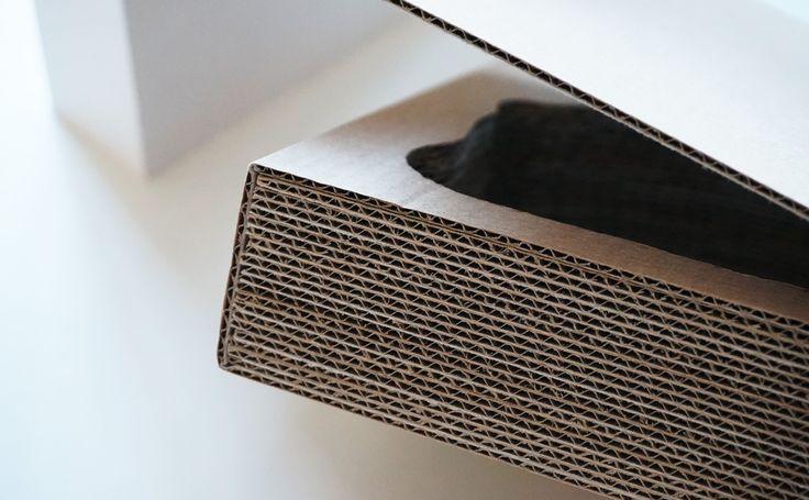 Cardboard box closer photo.