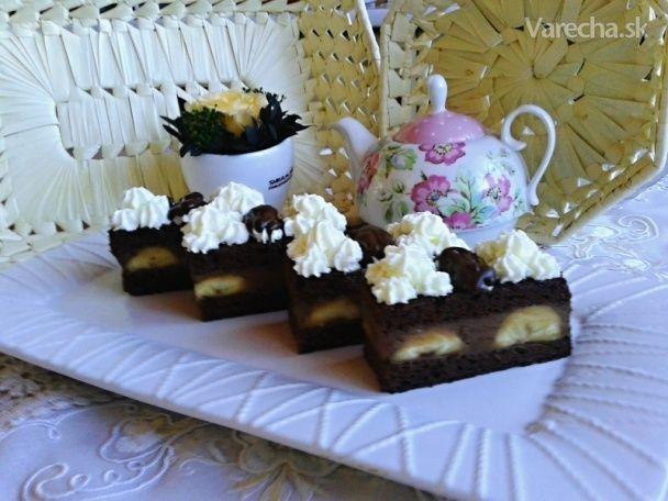 Banánové rezy s parížskou čokoládou a drienkovým lekvárom (fotorecept)