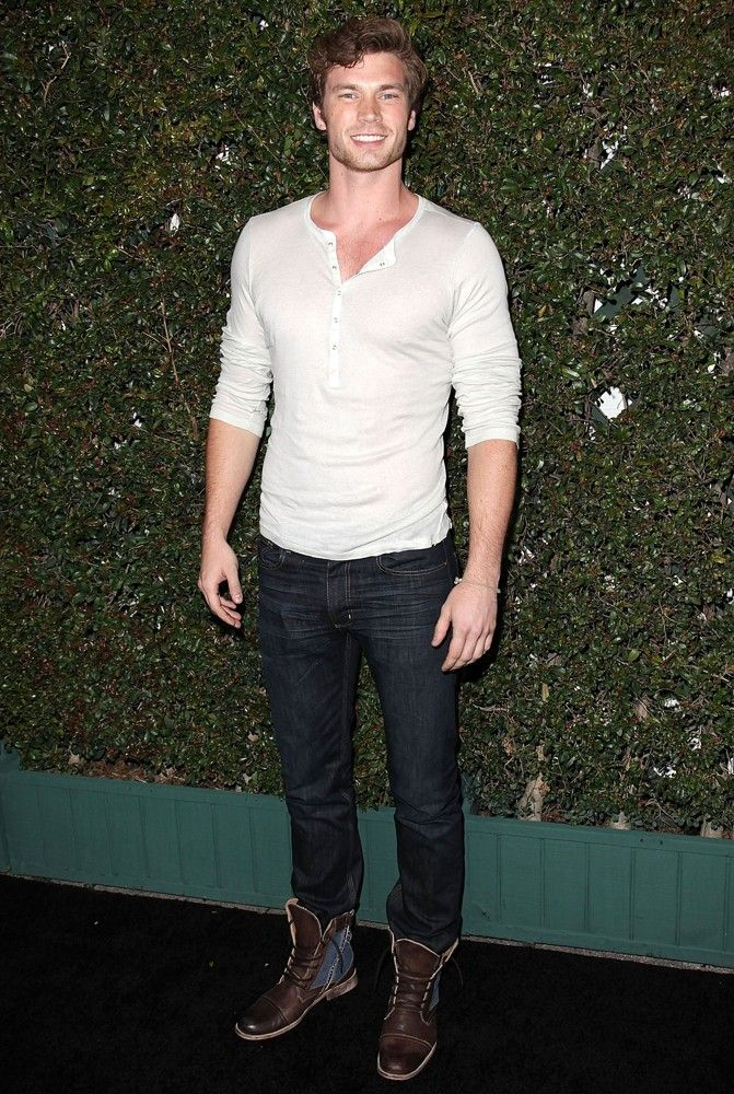 Derek Theler.... Sexy. Perfect. HUNK Men's Fashion Hairstyle, Male, Fashion, Men, Amazing, Style, Clothes, Hot, Sexy, Shirt, Pants, Hair, Eyes, Man, Men's Fashion, Riki, Love, Summer, Winter, Trend, shoes, belt, jacket, street, style, boy, formal, casual, semi formal, dressed Handsome