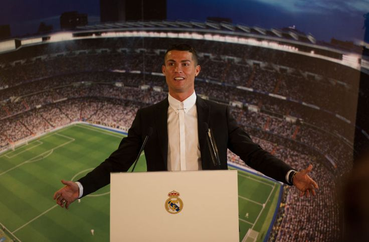 Cristiano Ronaldo of Real Madrid holds a press conference after signing a new five-year contract with the Spanish club at the Santiago Bernabeu stadium on November 7, 2016 in Madrid, Spain. (Photo by Denis Doyle/Getty Images)