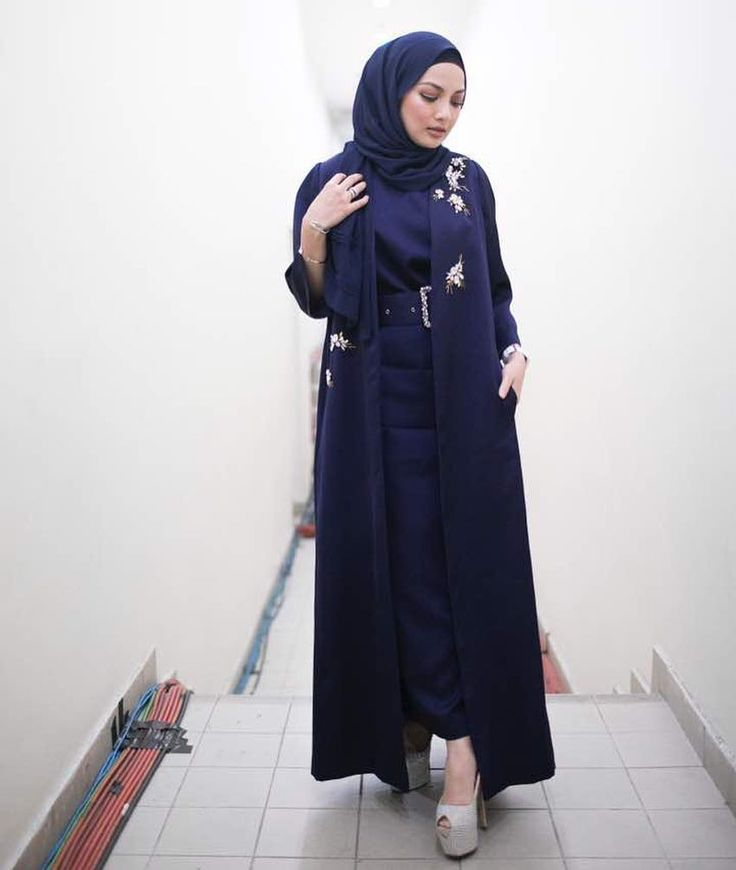 "84.1k Likes, 417 Comments - Noor Neelofa Mohd Noor (@neelofa) on Instagram: ""Act the part and you will become the part  . The best part about this ensemble is it was co-design…"""