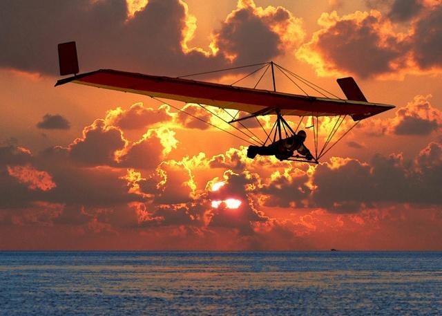 Hang Gliding  FLEDGE by libelluleco, via Flickr
