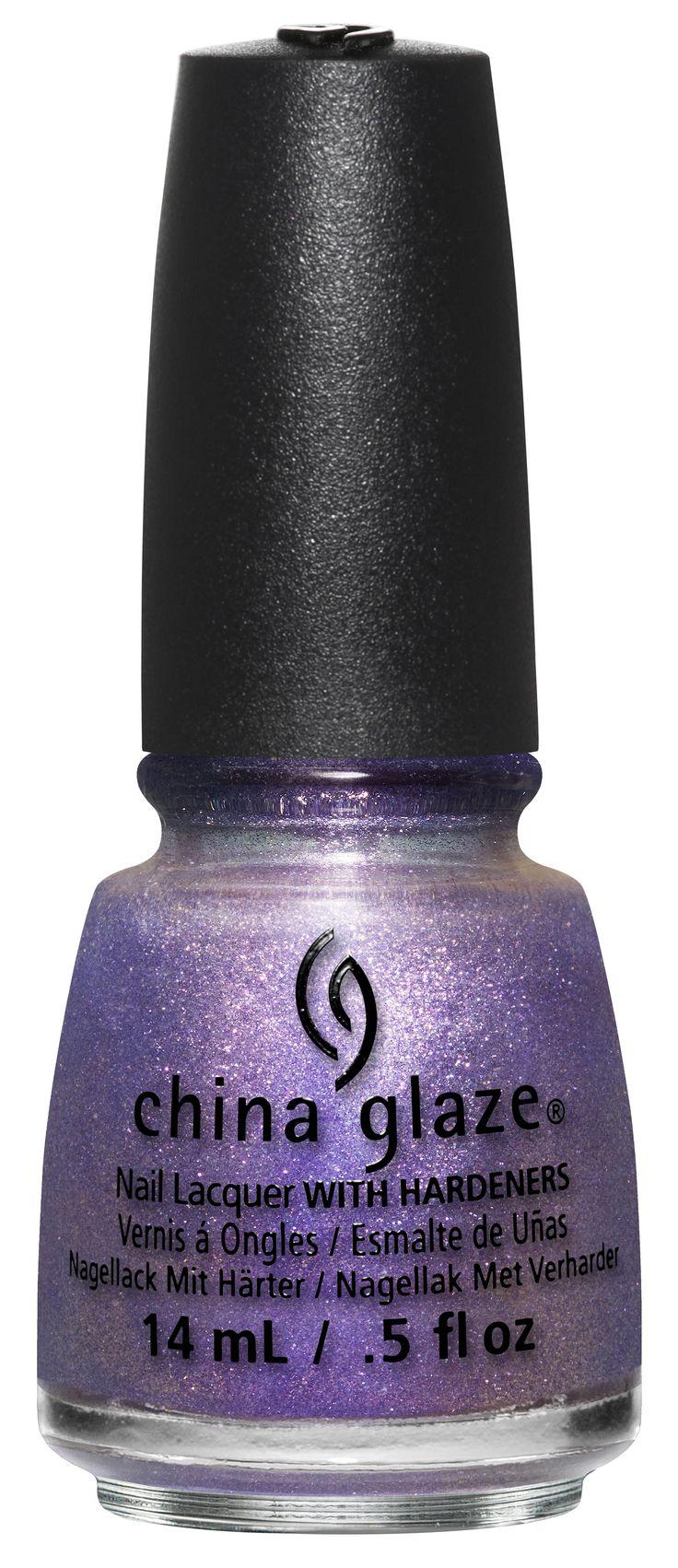 Nail Lacquer från China Glaze gör dina naglar precis så vackra som du drömt om! Ett par snyggt må...