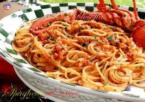 Spaghetti all'astice, classico ed elegante primo piatto, gustoso e saporito, perfetto da servire durante le occasioni importanti. Il successo è assicurato!