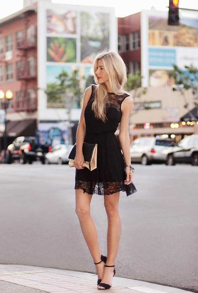 Shop this look on Kaleidoscope (dress, sandals, clutch)  http://kalei.do/WMAu5StnPenGDwku