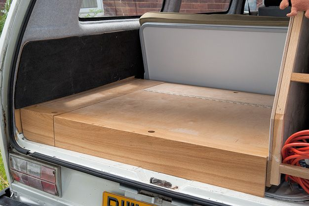 rock and roll bed platform for a T25. Love this as an alternative to the devon brown plastic original. Direct access to the engine and looks good too.