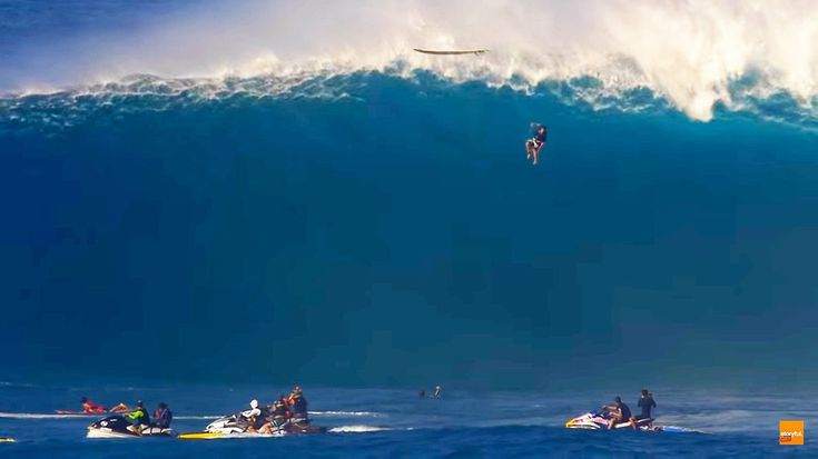 Professional surfer Tom Dosland was caught on camera during a scary free fall from a huge wave in Maui, Hawaii, on January 27. Dosland described the incident to Surfer Magazine later, saying that striking the face of the wave was a brutal beating, like I was in a car crash. Thankfully, Dosland emerged unscathed, but his board was completely destroyed. He said he had a bit of a stiff neck, but it was not enough to keep him from riding the big wave
