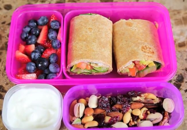 Bethany Mota Healthy School Lunch (Sandwich roll ups, fruit, nuts, and greek yogurt)