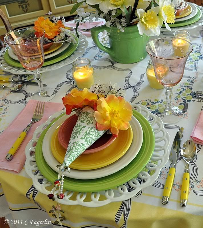loving the paper cones and pretty spring table scape!