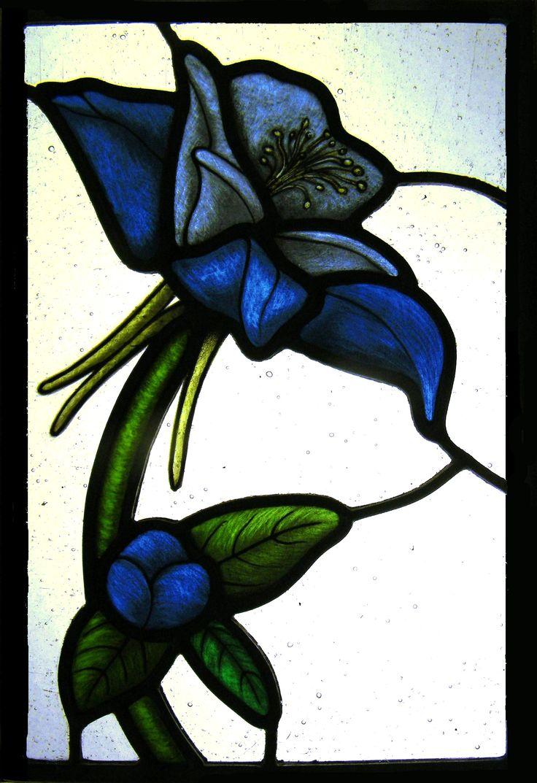 Stained glass flower made in a week intensive course, Orvieto Italy Corso di vetrate artistiche fiore realizzato da una nostra studentessa