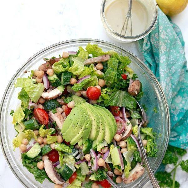 سلطة خضراء مع صوص الطحينة Summer Salads Salad Whole Food Recipes