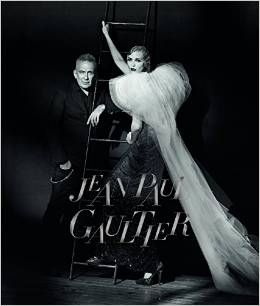 """Jean Paul Gaultier: From the Sidewalk to the Catwalk"". Ausstellung in München."