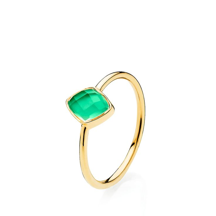 PRECIOUS ring with beautiful green onyx. The ring is made of shiny gold plated sterling silver – Danish design jewelry by Izabel Camille. Price: EUR 61 No. A4081gs-green onyx   www.izabelcamille.com