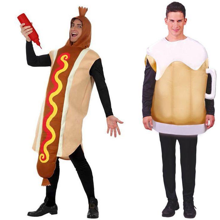 Fantasias de hot dog e caneco de chopp.