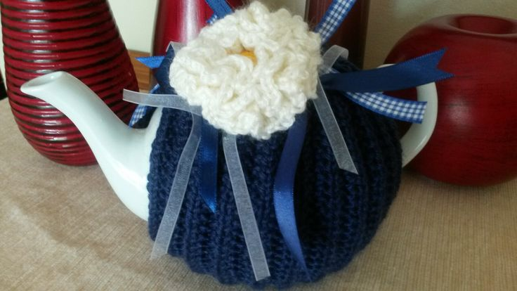 Navy and white ruffle flower tea cosie