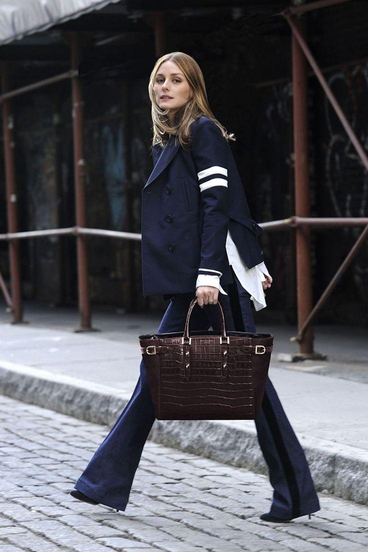 Así se llevan los pantalones de campana. Olivia Palermo
