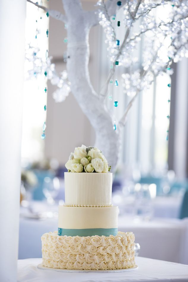 Wedding cake and reception styling, Ebb waterfront restaurant. www.lanicarter.com