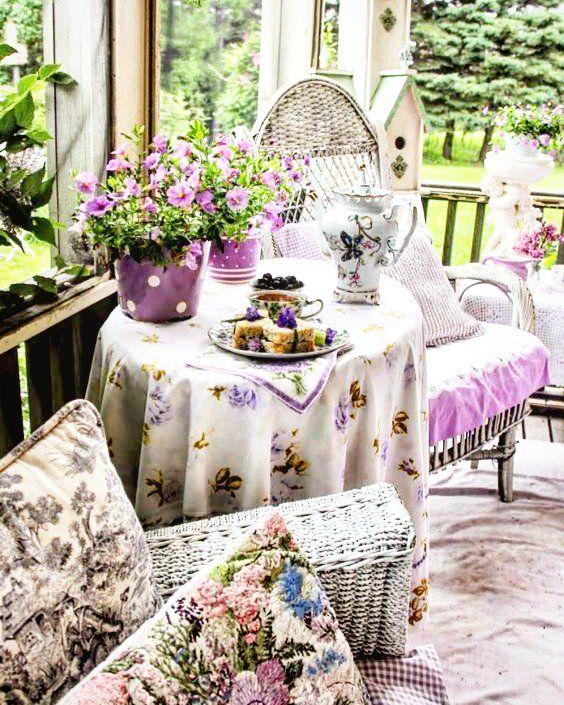 Доброе утро! Желаю вашим выходным быть для вас приятными и плодотворными! :)) #шебби_шик #шеббистиль #chebby #шеббишик #стиль #уют #интересное #дача #сад #природа #наприроде #мойдом #мебель #скворечник #romantichome #romantic #букет #дизайн #цветотерапия #сиреневый #отдых #длядуши #длявас #атмосфера #flowers #garden by elena555777