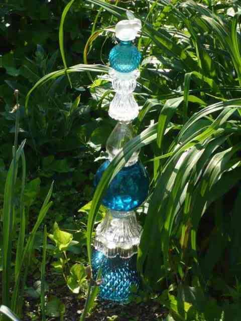 garden glass totem
