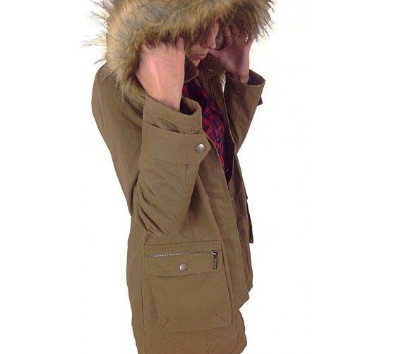 Empieza el frío... hazte con nuestra parka en tono tierra, con borrego interior. Gorro desmontable con pelo.  Visítanos en: www.ties-heel.com #tiesheels #shop #shoponline #newcollection #instamoda #instafashion #instagood #tienda #trendy #moda #jacket #cold