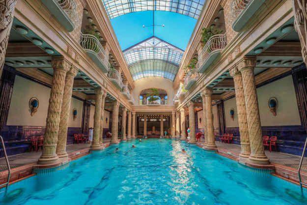 Gellért Fürdő (Gellért Spa & Bath) in Budapest