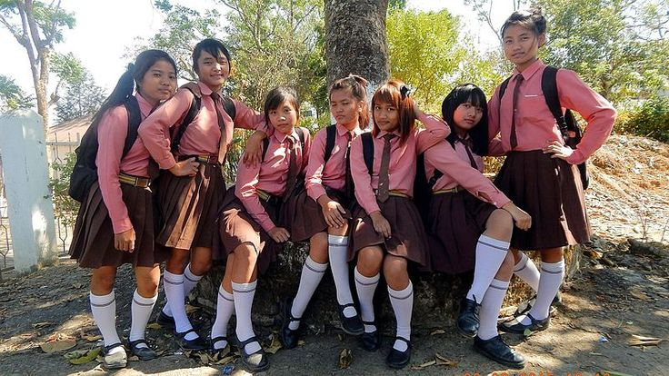 File:Mizo school girls of Hnahthial.jpg
