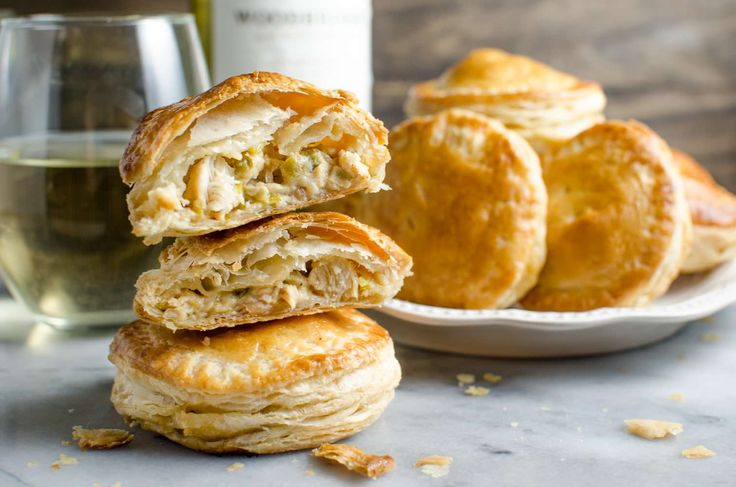 msg 4 21+ These creamy and cheesy chicken pies are so easy to make, freezer friendly and PERFECT for game day snacking! Plus it pairs perfectly with Woodbridge Chardonnay! #ad