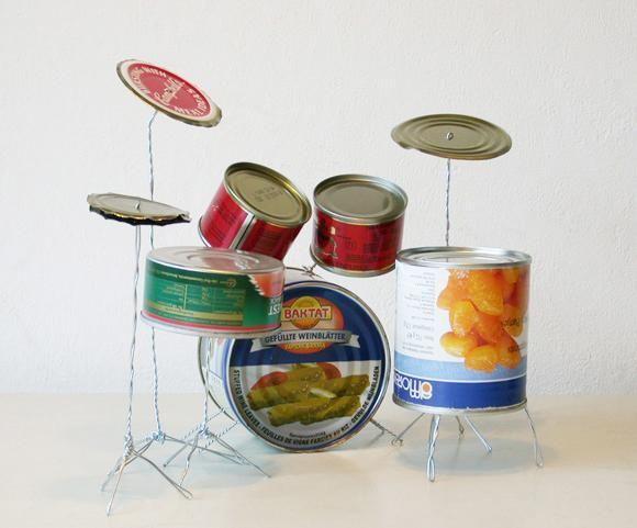 Reutilize objetos que tem em casa e transforme-os em brinquedos para os seus filhos :) #diy #brinquedos
