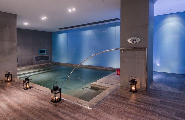 Vitality pool is an essential part of the aquatic circuit which includes a sauna and a hammam as well