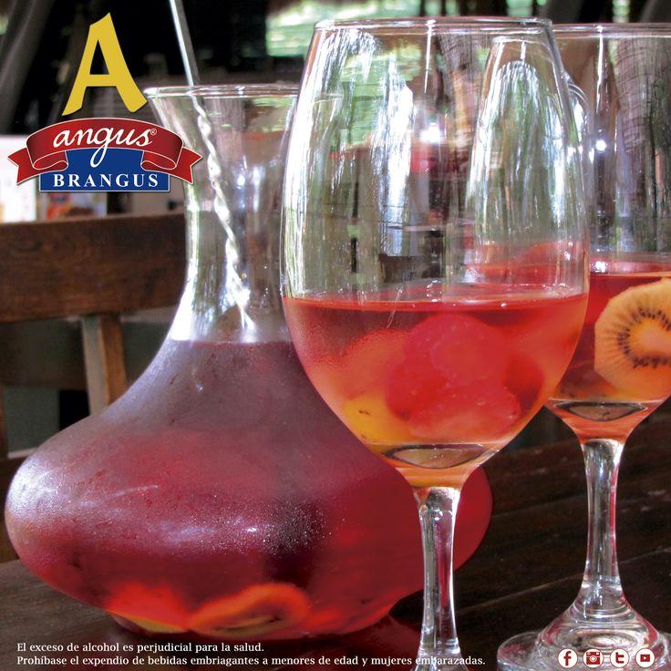 Disfruta una exquisita Sangría Rosada en Angus Brangus Parrilla Bar  , ideal para acompañar todas nuestras recetas.   Reservas: 2321632. www.angusbrangus.com.co Cra. 42 # 34 - 15 / Vía las Palmas  #bar #cocteles #restaurantesmedellín #medellín#medellíncity #medellintown #parrilla#nochesenmedellín #gastronomía #AngusBrangus #bebidas #dondecomer #recomendadosmedellín #laspalmas #viapalmas #mejoresrestaurantes #colombia
