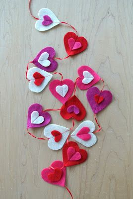 After watching my kids sew  Valentine crafts at The Sewing Studio's  open house this past weekend, I had a real itch to make some fel...