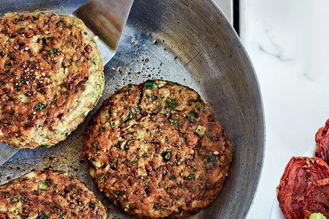 Hambúrguer de grão-de-bico e espinafre | BOA FORMA