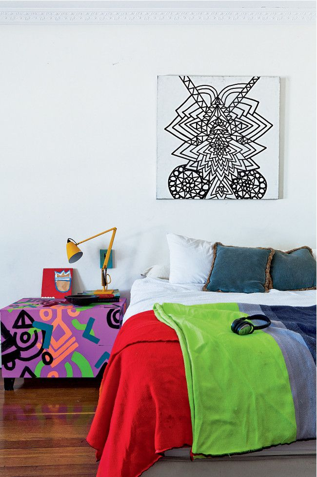 Did someone say colour blocking? Graphic Painting above the bed by Brett Chan. Photo: Felix Forest http://www.homelife.com.au/