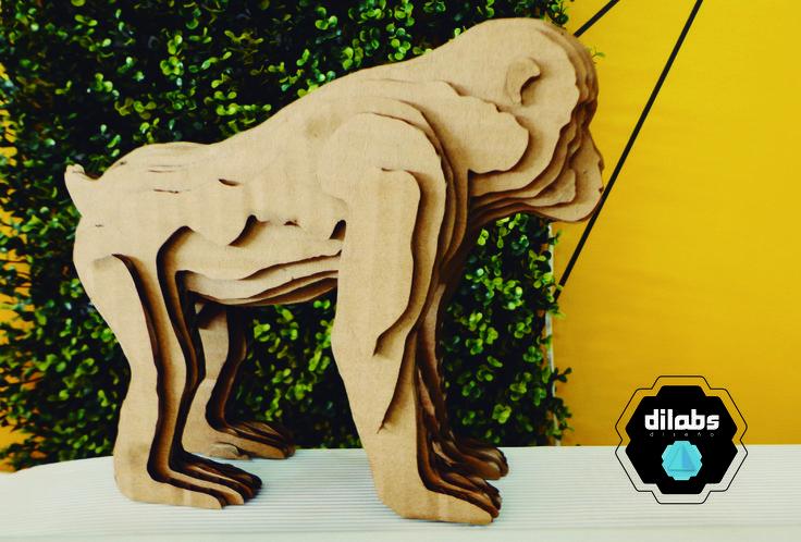 Gorila de cartón corrugado a la venta, cortado a láser aquí en #Dilabsdiseño. Conoce nuestro trabajo y todos los servicios que tenemos para ti y tu negocio: https://www.behance.net/search?search=DILABS  #Diseñoindustrial #Diseñodemobiliario #Diseñodeinteriores #Diseñográfico #Impresióngranformato #Corteláser
