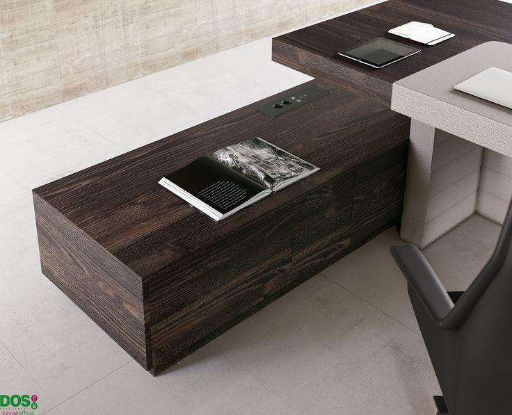 Ein Elegant Stilvoller Designer Schreibtisch   Jera, Erfüllt Alle  Eigenschaften Eines Modernen Chefbüros. Einzigartig Und Preiswerte  Chefmöbel, ...
