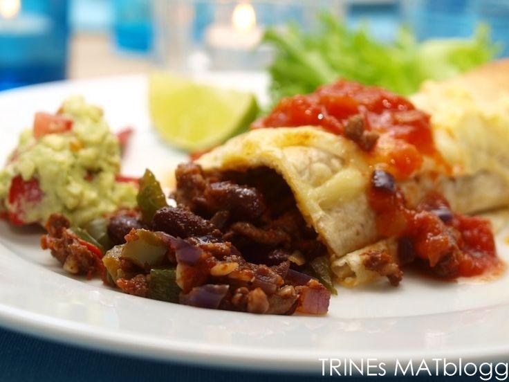 I dag står det burritos på menyen. Burritos, som vi kjenner de, er vanligvis tortillalefser fylt med krydret kjøtt, bønner og grønnsaker. På landsbygda i Mexico var de vanligvis fylt med ris eller bønner. Burritos er mat du kan forberede på forhånd og gratinere rett før servering. Hva du serverer som tilbehør er opp til deg, selv foretrekker jeg salat, guacamole og tomatsalsa.