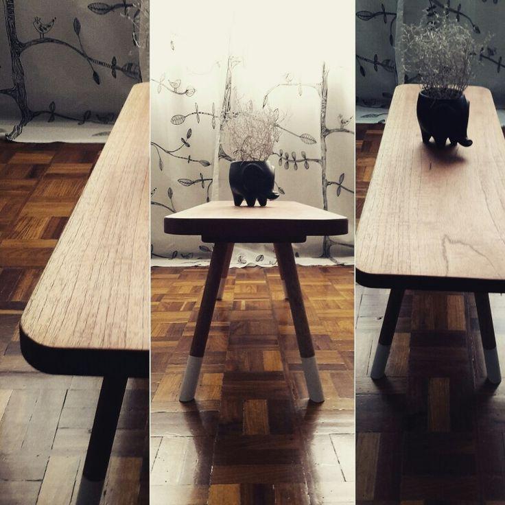 AUX, auxiliary table by io design.  AUX, mesa auxiliar de io diseño/