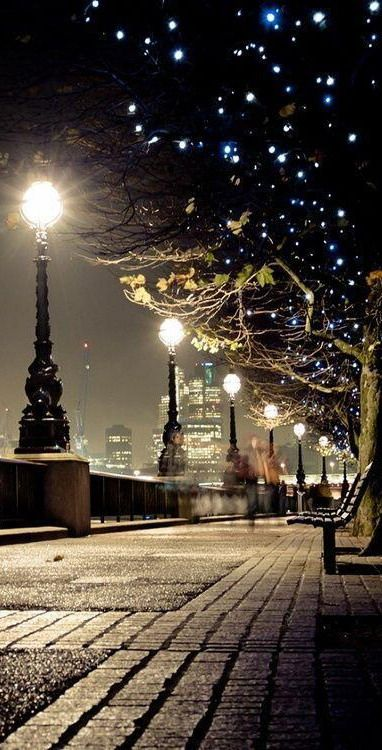 | Modest Maintenance |  Queen's Walk along the Southbank, London. >>> What a beautiful image!