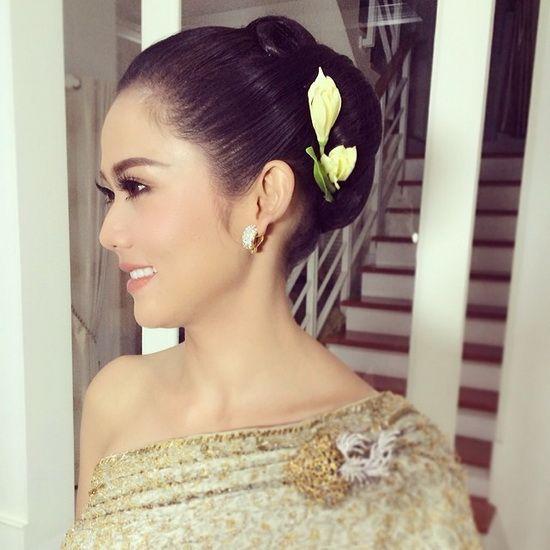Hindu Bridal Hairstyles 14 Safe Hairdos For The Modern: ทรงผมเจ้าสาวชุดไทย