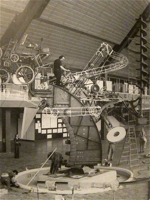 Jean Tinguely, working on the construction of Chaos I, at the original Commons in Columbus, Indiana