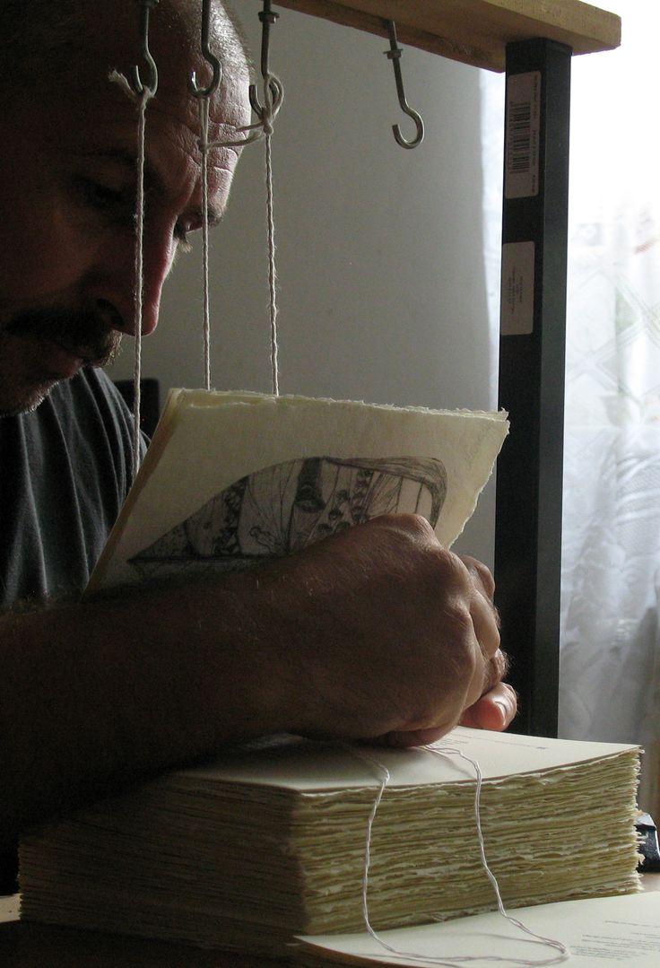 carte bibliofila 2.legarea foilor, in ordinea paginilor, inainte de copertare