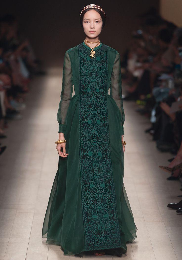 Valentino pr t a porter s s 2014 fashion is fashion for Haute couture and pret a porter
