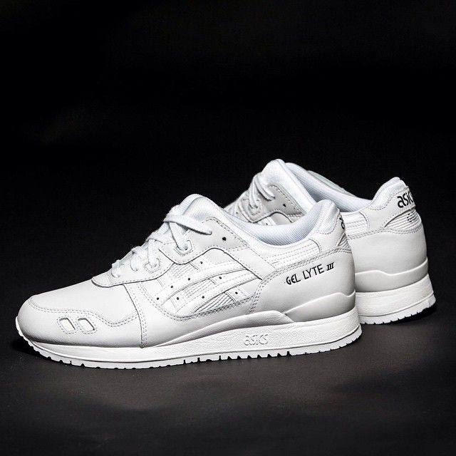 "PURE WHITE IS BACK! The Asics Gel-Lyte III from the ""Pure Pack"" is available at our shop again! EU 36,5 - 47 