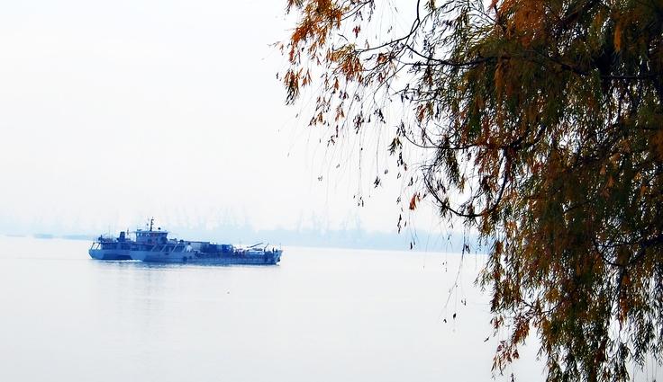 Ghost ship - ©AdiZAINESCU