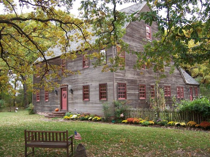 Colonial Saltbox, Buckbrush Farm -BOB AND MAUREEN HEMMERT. Slightly in love with this house/life... :)
