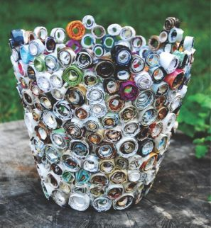 1000 images about paper recycle on pinterest crafts for Rolled magazine paper crafts