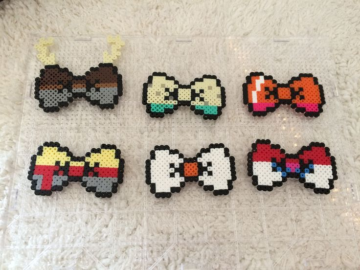Frozen themed perler bead hair bows by {GuessWho} on Pinterest